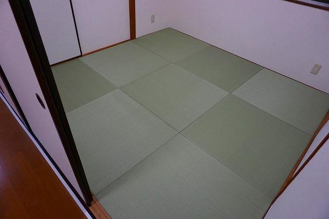 賃貸マンションにもカラー縁無し琉球畳で入居率アップ計画?(大阪府大東市4帖半間)4