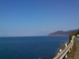 土肥付近からの海と富士山