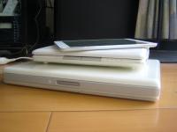 下からiBook、ネットブック、iPad mini。