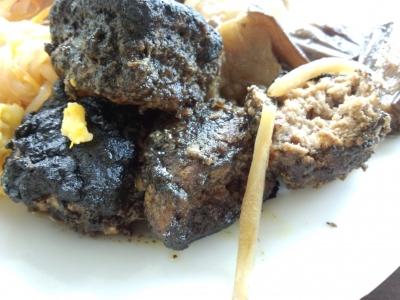 オガッシ黒カレーハンバーグ