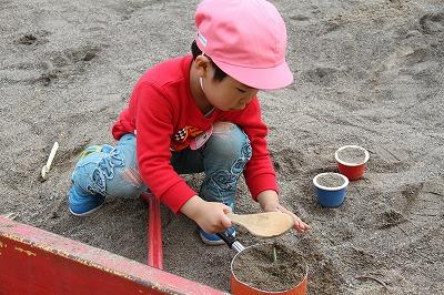 年少砂遊び