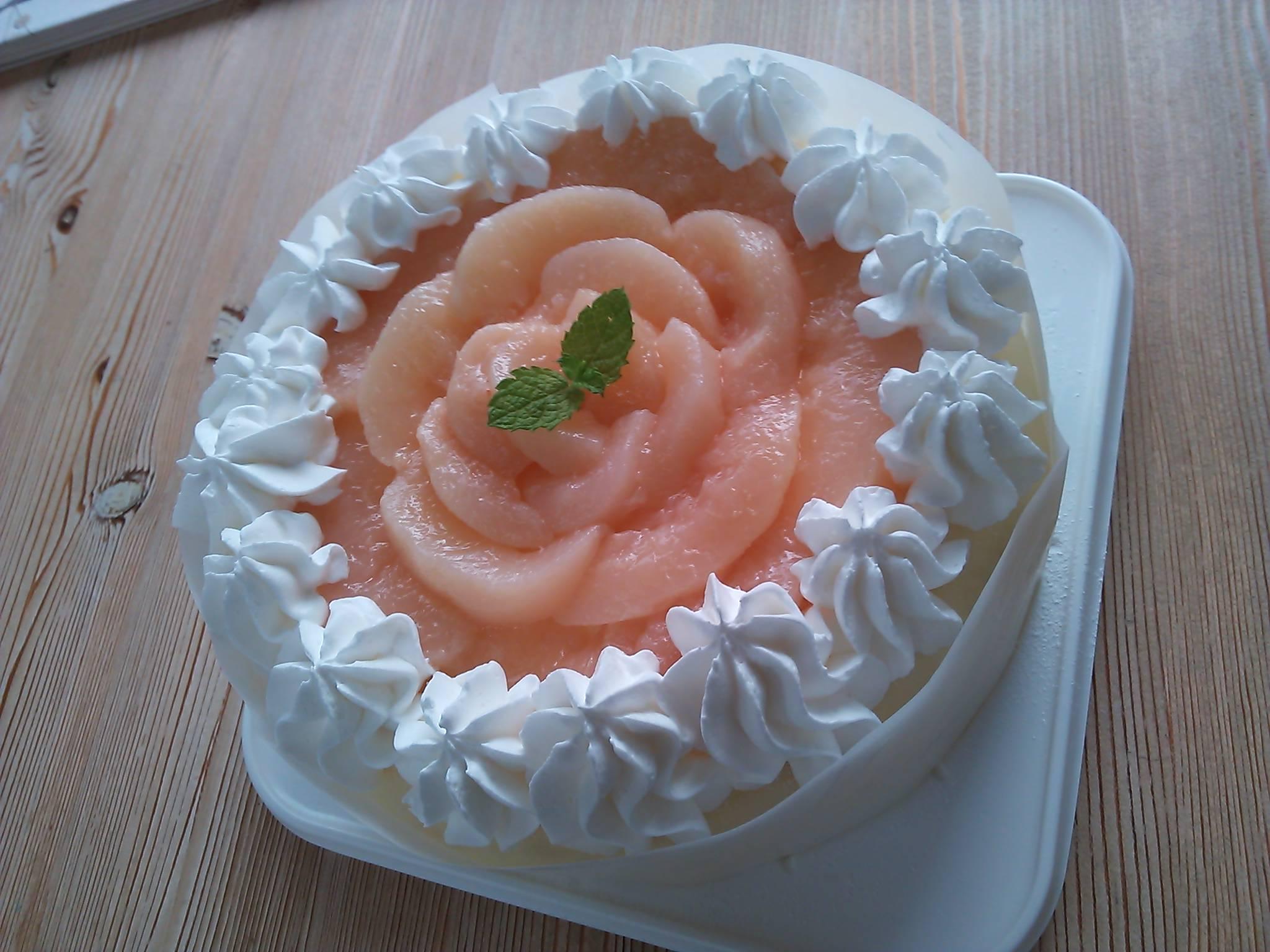 桃のミルクレープ