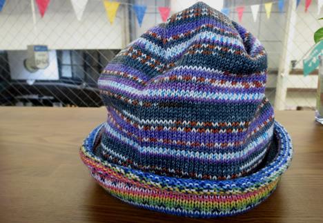マルティナさんの腹巻帽子