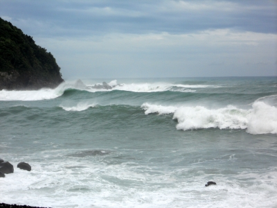 台風の波2