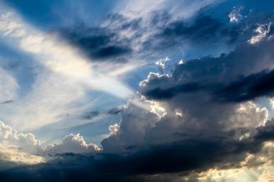 空と雲と光