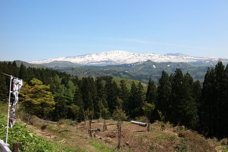 十王峠展望台から月山