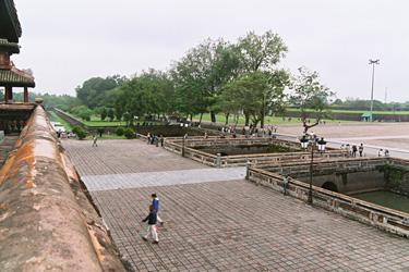 王宮の内側の庭。