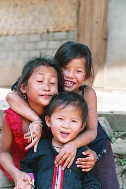 歩いているときにかわいい笑顔をくれた女の子たち。