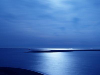 瞑想は大海原へ流れ出る大河口の如し