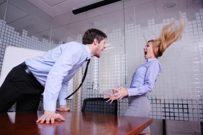 男性が女性を支配してしまうコミュニケーション