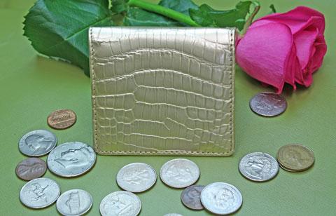 bd5923f20c35 金 クロコダイル アメ横 君島鞄商会. まさに金 金です なかなかないですね 13,650円