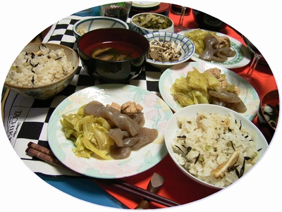 R0025878大根飯とコンニャク煮物丸_400.jpg