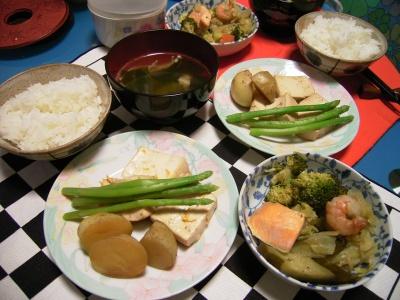 R0025929鮭と海老キャベツ蒸煮と新ジャガアスパラ豆腐_400.jpg