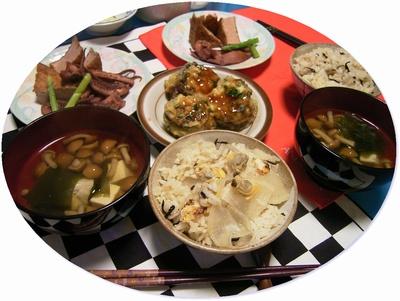R0025989イカ煮付け、アサリ大根飯、白菜味噌汁_400.jpg