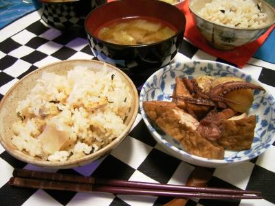 R0025998イカ煮付け、アサリ大根飯、白菜味噌汁_400.jpg