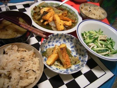 R0025999味噌漬けイカ炒め、アサリ大根飯、白菜味噌汁_400.jpg
