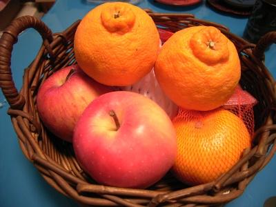 R0026219デコポンとりんご2種、甘夏_400.jpg