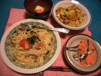 R0026491和風スパゲティ、キャベツ卵とじ、鰯人参サラダ、トーフと椎茸お吸い物_400.jpg