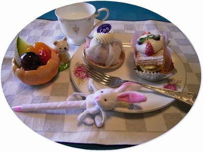R0026858ケーキcooとウサギボールペン丸_400.jpg