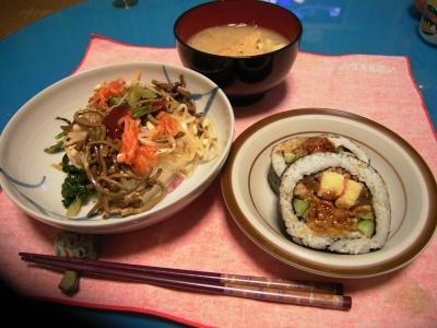 R0027605ナムル奴、巻き寿司、味噌汁_400.jpg