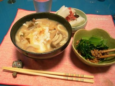 R0027615味噌うどん、小松菜納豆、梅大根_400.jpg