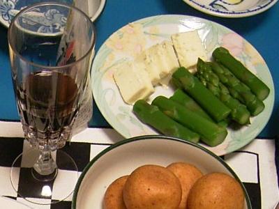 R0027635_cut赤ワイン、ブルーチーズアスパラ.jpg
