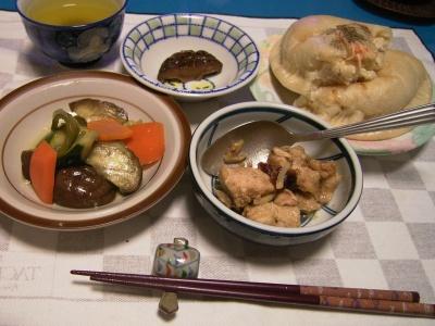 R0027684フォッカッチャ、野菜マリネ、チキンスープ煮_400.jpg