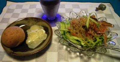 RIMG5780パン、カチョカバロチーズ、中華サラダ_400.jpg