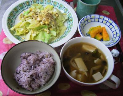 R0029736夜-キャベツとジャコの卵とじ炒め、カボチャ、豆腐とシメジのお吸い物、五穀米ご飯_400.png