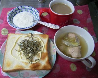 R0029818朝-ジャコチーズトースト、ちきんスープ、ヨーグルト_400.jpg