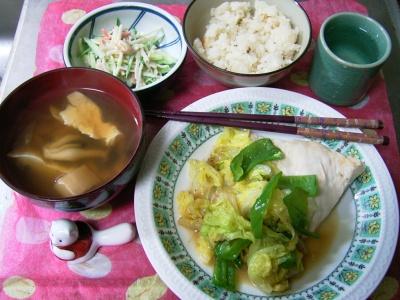 R0029926夜-鶏と白菜ソテー、シメジスープ、ゴボウと大豆のサラダ、大根飯、立山_400.jpg