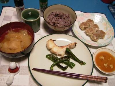 R0030025夜-味噌漬け魚焼き、五穀米ご飯、しゅうまい、味噌汁_400.jpg