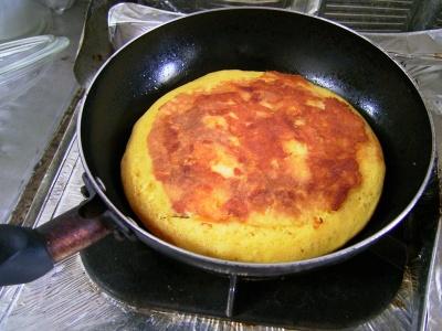 フライパンでパンケーキを作る