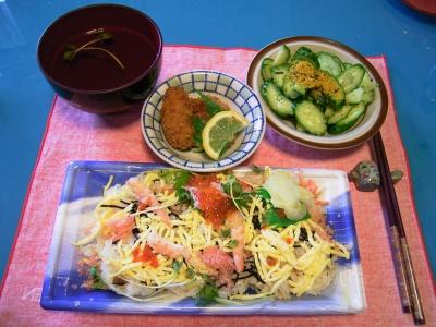 R0030835昼-ちらし寿司、おすまし、牡蠣フライ_400.jpg