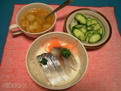 R0030836夜-しめ鯖、キュウリサラダ、野菜スープ_400.jpg