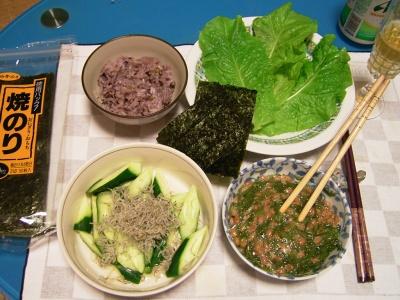 R0031583夜-めかぶ納豆、じゃこきゅうり、サニーレタス、海苔、五穀米ご飯_400.jpg