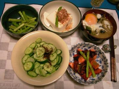 R0031985夜タコのマリネオレガノ風味、落とし卵の味噌汁、アスパラのレモン和え、冷や奴_400.jpg