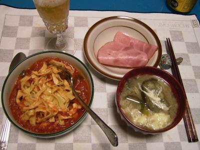 R0032294夜-トマトとズッキーニのソースのパスタ、卵とナスの味噌汁、ハム_400.jpg