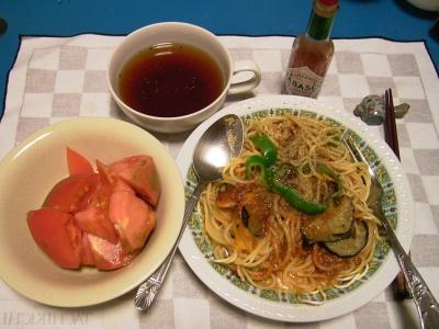 R0032727夜-ナスミート卵スパゲティ、トマト、スープ_400.jpg