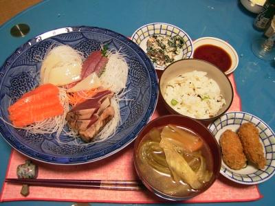 R0033220夜-刺身、キャベツスープ、牡蠣フライ、白和え、かやくご飯_400.jpg