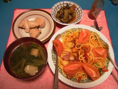 R0033285夜-トマトスパゲッティ、麩と小松菜のスープ、鶏の甘辛煮、きゅうりピクルス_400.jpg