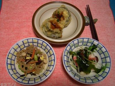 R0033322夜-茄子のはさみ揚げ、海鮮サラダ、レンコン五目煮_400.jpg