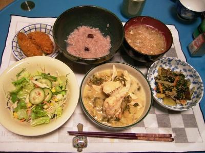 R0033446夜-チキンのクリームスープ煮、野菜炊き合わせ、サラダ、牡蠣フライ、お吸い物_400.jpg