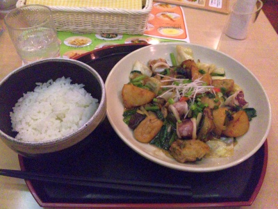SBSH0118夜-ジョナサン牡蠣とイカと野菜炒めとご飯_400.jpg
