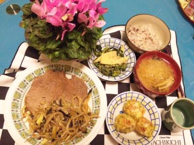 SBSH0144夜-ステーキ、菜の花と筍の胡麻和え、揚げちくわ、シメジ味噌汁、雑穀米ごはん_400.jpg