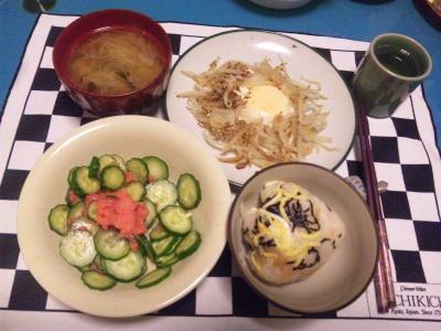 SBSH0130夜-お寿司のおにぎり、きゅうりメンタイ和え、シメジ味噌汁、モヤシ卵_400.jpg