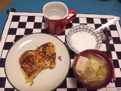 SBSH0137夜-パンケーキ、お味噌汁、ヨーグルト_400.jpg