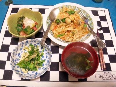 SBSH0143夜-トムヤム麺、タコマリネ、ささみと豆苗和え、お吸い物_400.jpg