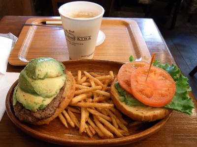 RIMG0113昼食-アボカドバーガーセット_400.jpg