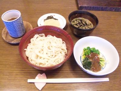 SBSH0177昼食-細うどん、菜花とノビル、漬物_400.jpg